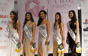 As vencedoras do Miss Nikkey Brasil 2013 (da esq. p/a dir): Patrícia, Thais, Deborah, Paola e Thais Mayumi