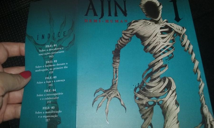 Capa da edição brasileira de Ajin, com direito a orelha e hot stamp!